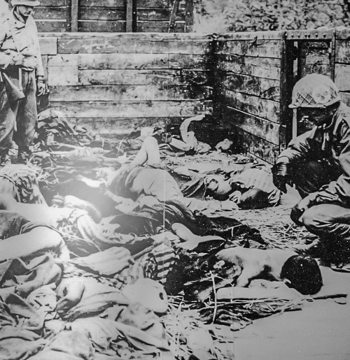 """""""American GIs discover mass grave at Dachau Concentration Camp"""""""